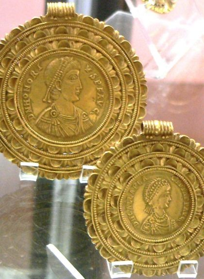 Medallons del segle V d'Honori i Gal·la