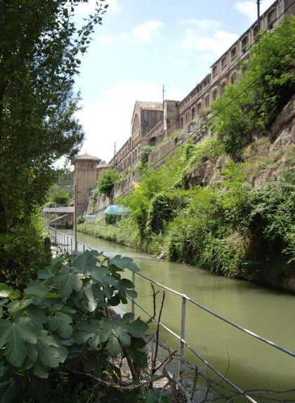 La Colònia Vidal, a Puig-reig, dedicada al filiat i al teixit de cotó