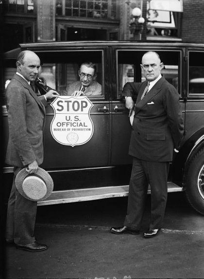 La placa de la 'Prohibition Unit' que utilitzaven els agents policials d'aquesta unitat per aturar els cotxes sospitosos