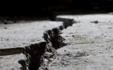 Terra partida per un terratrèmol