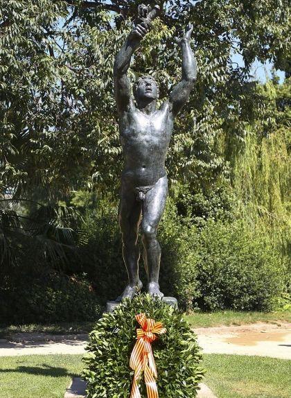 Escultura 'Als Voluntaris Catalans', de Josep Clarà, al Parc de la Ciutadella de Barcelona