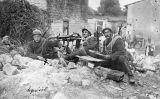 El soldat de l'esquerra, de cognom Esquirol, va ser un dels voluntaris catalans que va lluitar en la Primera Guerra Mundial