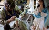 El procés de fabricació dels Sants d'Olot al taller El Arte Cristiano