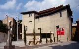 El Museu Episcopal de Vic i el monument d'homenatge a l'abat Oliba