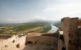 El castell de Miravet, amb l'Ebre de fons