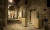 A l'església es conserven tres talles originals que daten dels segles XII i XIII